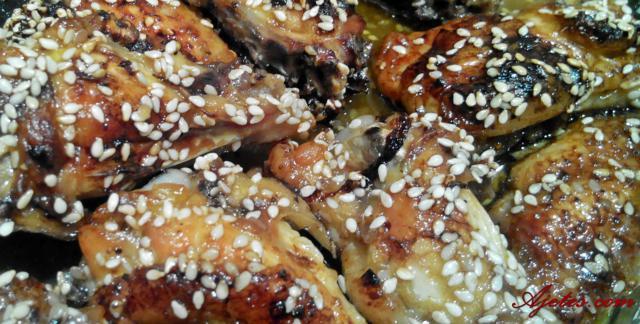 alitas de pollo con semillas de sésamo