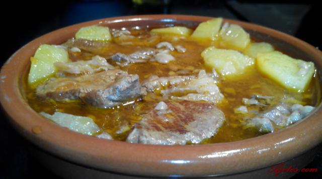 Receta tradicional de guiso de ternera con patatas