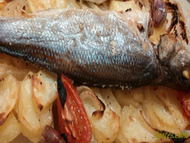 Receta de lubina al horno con patatas fácil